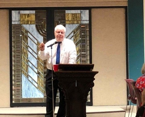 Chavurat Shalom Draws Huge Crowd to Learn with Rabbi David